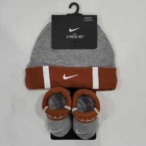NWT Nike Football 🏈 Hat and Bootie Set 0-6 months